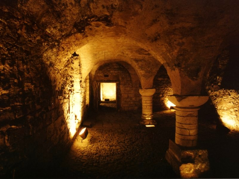 http://www.landiss.com/photos/gothic-cellar.jpg